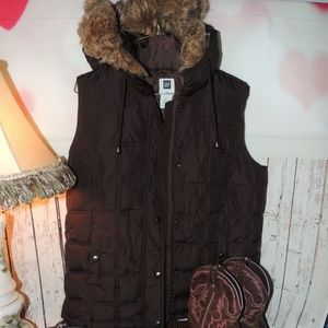 Gap puffy vest with fur around hood medium
